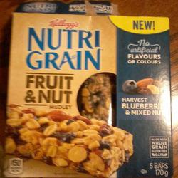 Kelloggs nutrigrain fruit & nut medley harvest blueberries & mixed nuts