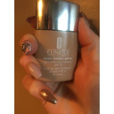 Clinique Even Better Glow Light Reflecting Makeup Foundation SPF 15