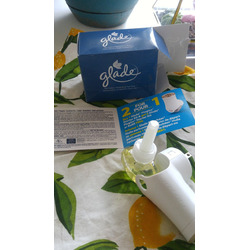 Glade plug in Cashmere woods