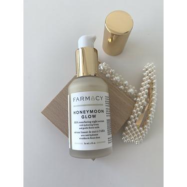 farmacy Honeymoon Glow AHA Resurfacing Night Serum with Echinacea GreenEnvy