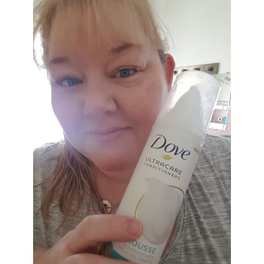 Dove UltraCare Conditioner Weightless+Moisture Mousse