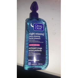 Clean & Clear night time deep cleaning facial cleanser