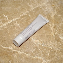 Laura Mercier Tinted Moisturizer Broad Spectrum SPF 20 Sunscreen -