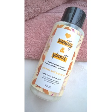 Love Beauty & Planet Turmeric & Tonka Essence Prevent and Preserve Conditioner