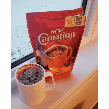 nestle carnation rich and creamy hot chocolate