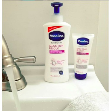 Vaseline Clinical Care™ Aging Skin Rescue Healing Moisture Lotion