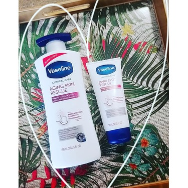 Vaseline Clinical Care™ Dark Spot Rescue Moisturizing Hand Cream