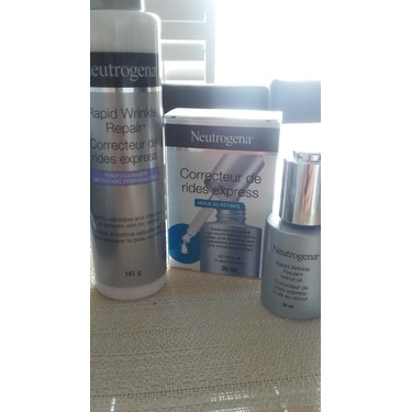 NEUTROGENA® RAPID WRINKLE REPAIR® Prep Cleanser