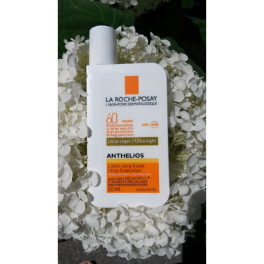 La Roche Posay Anthelios 60 Clear Skin Dry Touch Sunscreen SPF 60