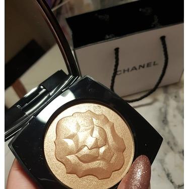 Chanel lion highlighter
