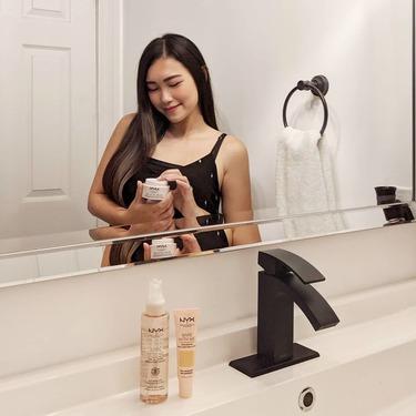 NYX Professional Makeup Bare With Me Prime. Set. Refresh. Multitasking Spray