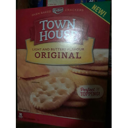 Keebler Town house  oven baked crackers light and buttery flavour
