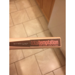 Total temptation by maybelline