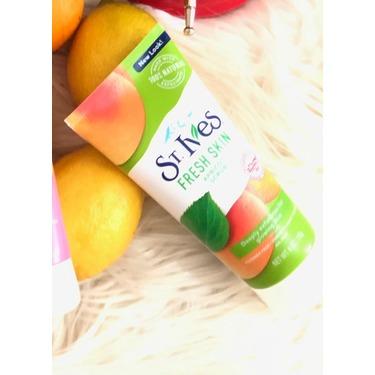 St. Ives Fresh Skin Apricot Exfoliating Facial Scrub