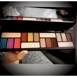 Smashbox L.A Covershot EyeShadow Palette