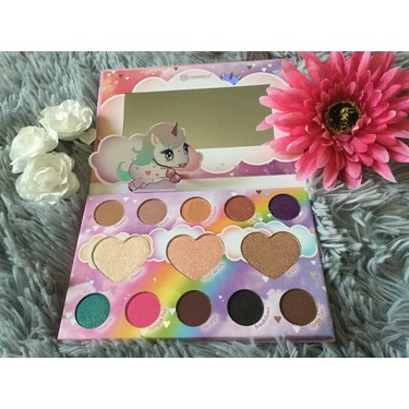 Bh cosmetics marvycorn  shadow and highlighter palette by Marvyn Macnificent