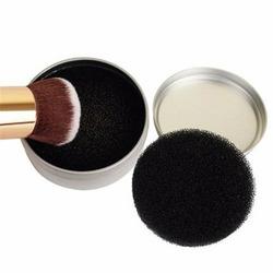 Quo Makeup Brush Sponde Cleaner in Metal Tin