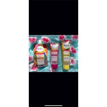 Bioré Clear & Bright Resurfacing Scrub with Yuzu Lemon + Dragon Fruit