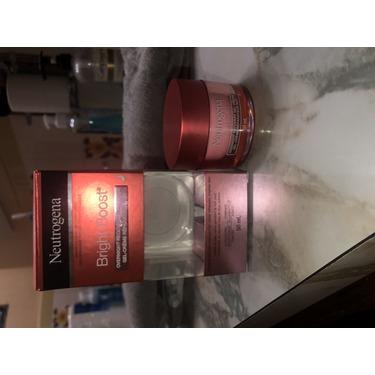 Neutrogena® Bright Boost™ Overnight Recovery Gel Cream