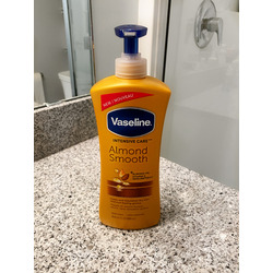 Vaseline Intensive Care Almond Smooth Lotion