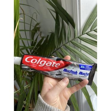 Colgate maxfresh charcoal