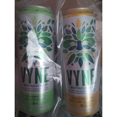 Vyne Botanicals Sparkling Water