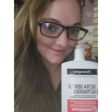 Neutrogena ultra gentle daily cleanser with pro-vitamin Bs