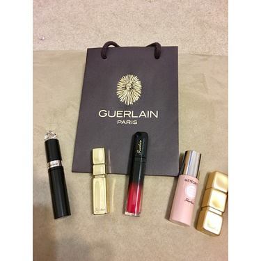 Guerlain KissKiss Maxi Shine Lipstick