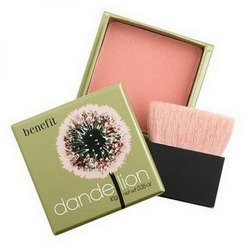 Benefit Cosmetics Boxed Powder in Dandelion