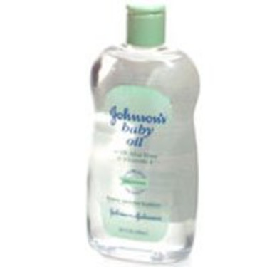 Johnson's Baby Oil with Aloe Vera & Vitamin E