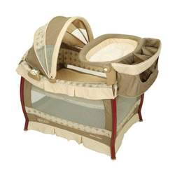 Graco Wood Frame Pack 'n Play with Bassinet & Changing Table in Marlowe