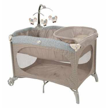Safety 1st Soft Surround Play Yard with Bassinet & Changing Table Danbury