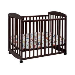 DaVinci Alpha Mini Rocking Crib - Cherry