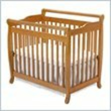 DaVinci Emily Mini Wood Baby Crib Set Bed w/ Twin Size Rail in Honey Oak