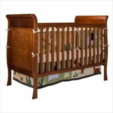 Hampton Heights 3-in-1 Convertible Crib in Cherry