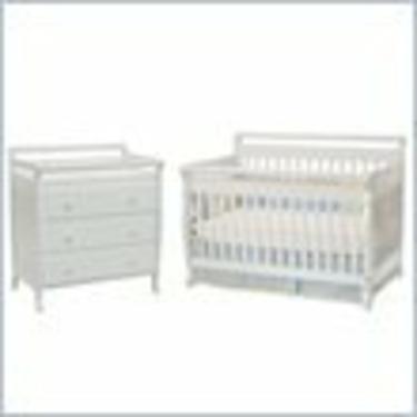 DaVinci Emily 4-in-1 Convertible Wood Baby Crib Nursery Set in White