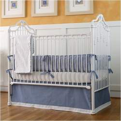 Traditional Iron Crib in Matte White