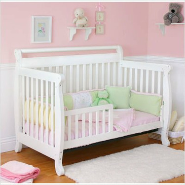 Nursery Smart 626-001-0102W Amelia 4-in-1 Convertible Crib in White
