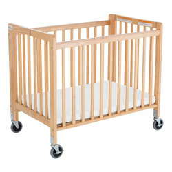 Foundations Worldwide Little Dreamer Compact-Size Standard Wood Crib