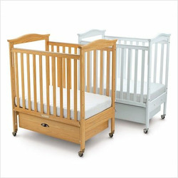 Biltmore Clearview Crib with Adjustable Mattress Board - White