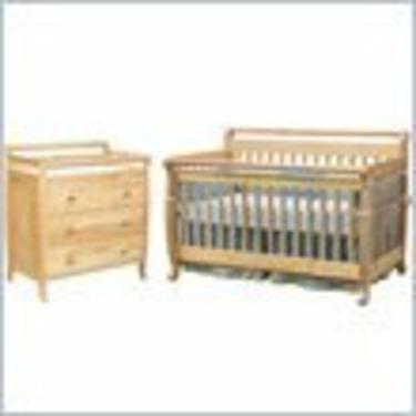 DaVinci Emily 4-in-1 Convertible Wood Baby Crib Nursery Set in Natural