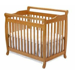 Emily Convertible Mini Crib in Oak