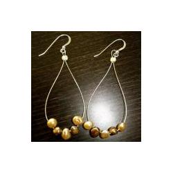 Krafty Kameleon Pearl Earrings