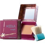 Benefit Cosmetics Bronzing Powder in Hoola