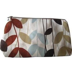 Skylar Cosmetic Bag in Jungle Fern