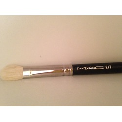 MAC Cosmetics 217 Eye Shadow Blending Brush