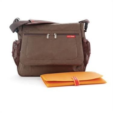 Skip Hop Via Messenger diaper bag Chocolate