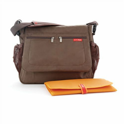Skip Hop Via Messenger diaper bag Chocolate