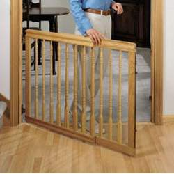 Home Decor Stair Baby Gate Colors: Light Oak