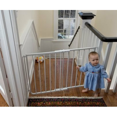Stairway Special Baby Gate for Outdoors Colors: White
